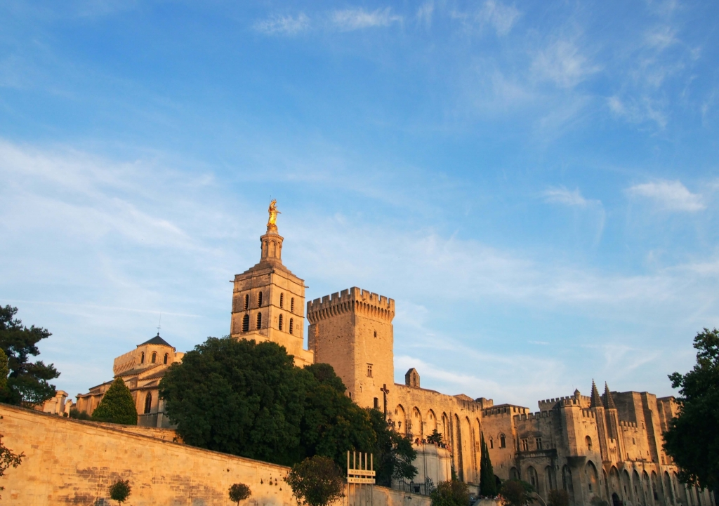 Provence city guide France Latelierdal Avignon Festival
