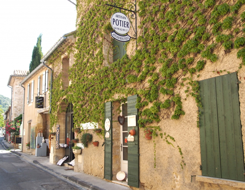 Provence city guide France Latelierdal village Gigondas