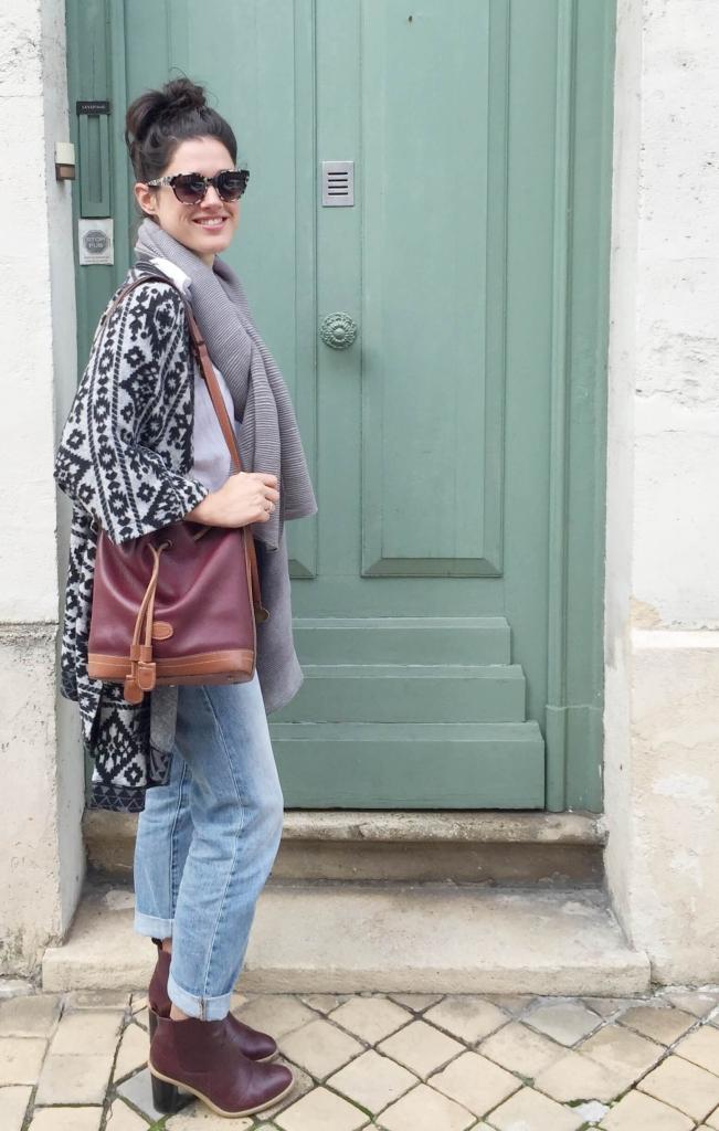 Look jean boyfriend et poncho Latelierdal blog mode et voyage
