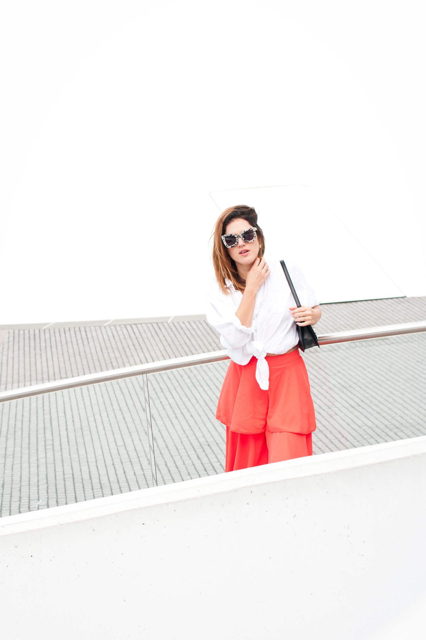 look chemise blanche en lin Sud Express pantalon rouge Boohoo L'atelier d'al blog mode Lifetsyle Paris
