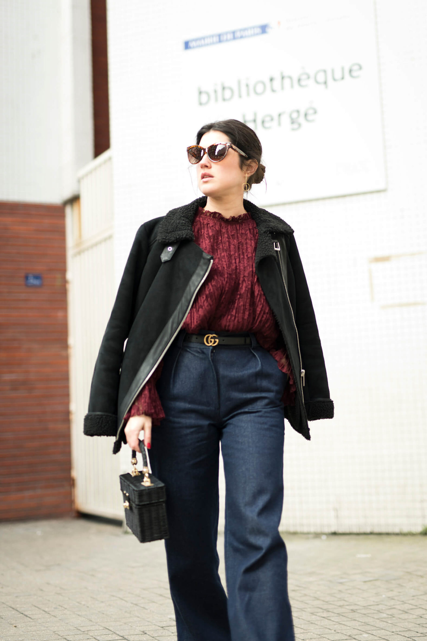 look streetstyle Paris L'atelier d'al blog mode lifestyle blouse Balzac dentelle jean flare Elise Chalmain