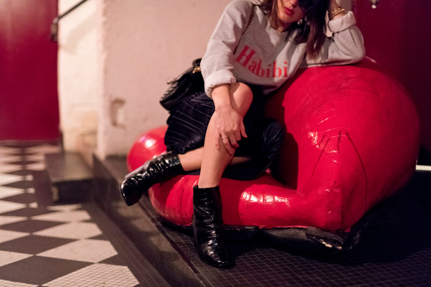 Shooting Pigalle Hôtel sweat das Mot Paris L'atelier d'al blog mode lifestyle