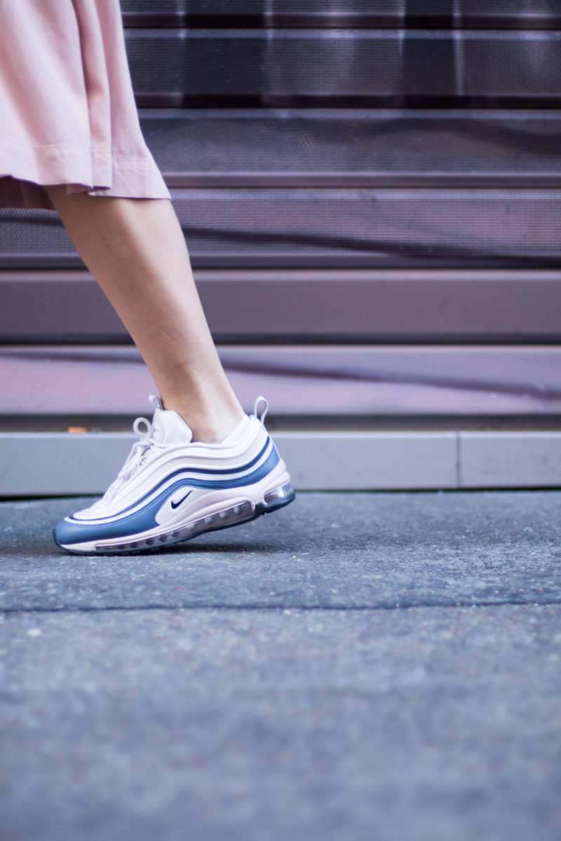 look jupe et sneakers Air max 97 ultra L'atelier d'al blog mode fashion Paris