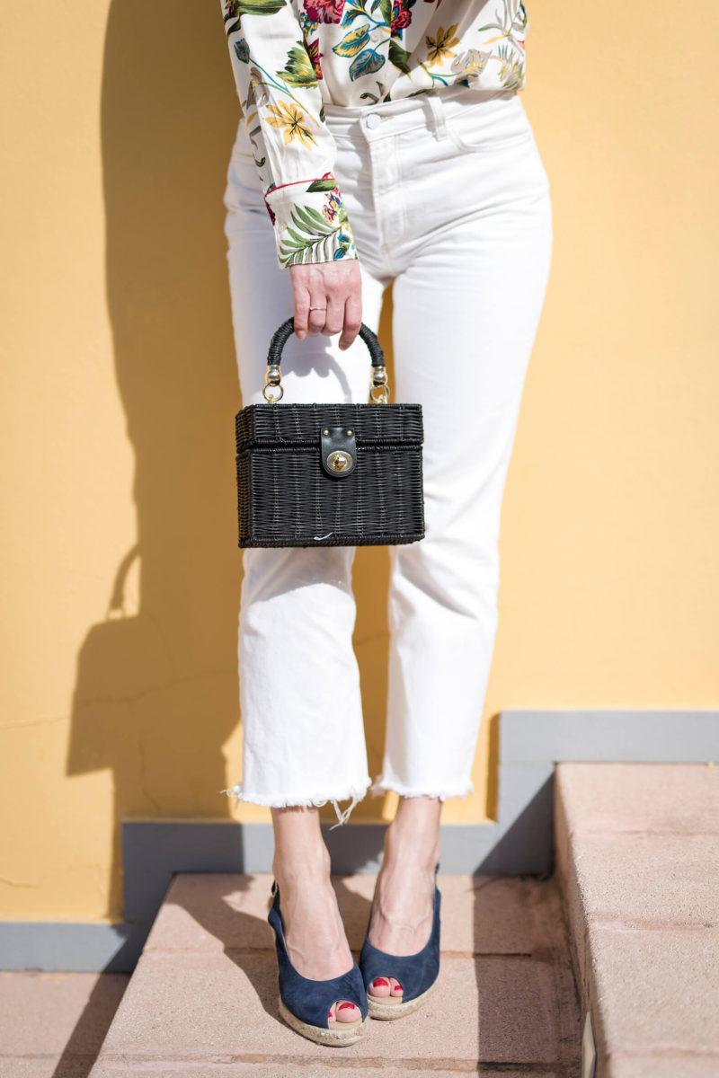Porter des couleurs d'été jean mum blanc chemise à fleurs l'atelier d'al blog mode lifestyle ParisPorter des couleurs d'été jean mum blanc chemise à fleurs l'atelier d'al blog mode lifestyle Paris
