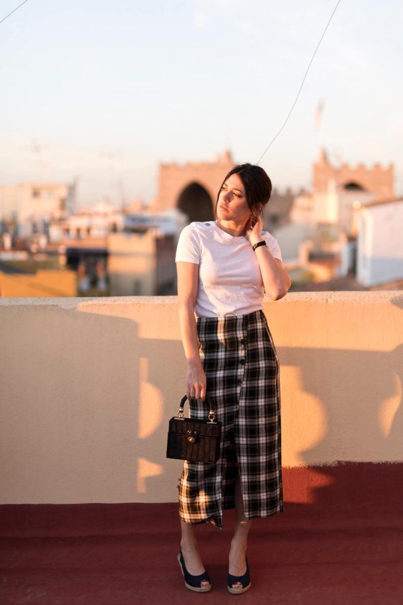 look sunset in Valance Espana Jupe midi à carreaux L'atelier d'al blog mode